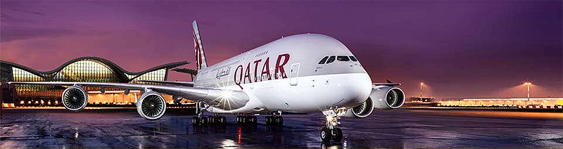 A380 von Quatar Airways auf dem Hamad International Airport in Doha Katar